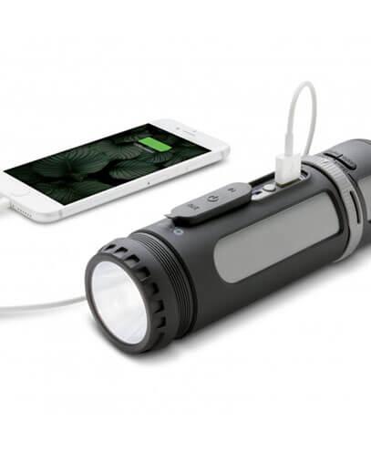 112163 Swiss Peak 4-in-1 Speaker - Device Charging Example
